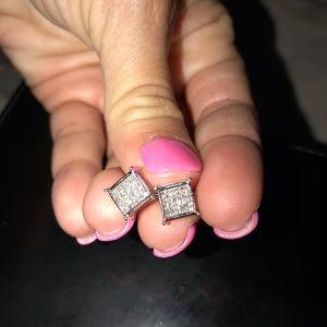 Jewelry - White cold diamond earrings